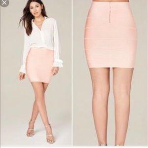 Bebe Misty Blush Pink Bandage Body con Skirt